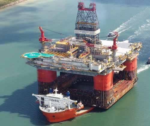 Blue Marvin con plataforma petrolífera