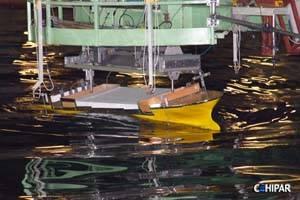 Cehipar -Prueba de casco en un canal