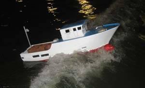 cehipar, análisis de comportamiento de pesquero con gran oleaje