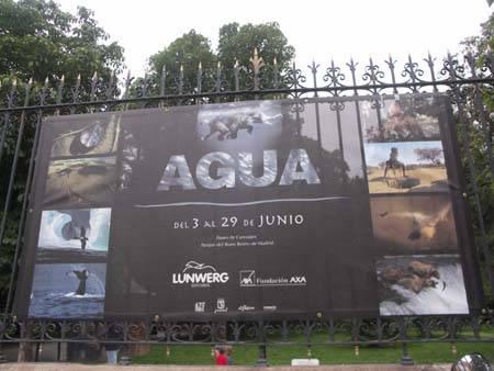 Cartel del la exposición Agua, Parque del Retiro, Madrid