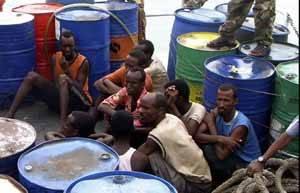grupo de piratas capturados pot la policia somalí