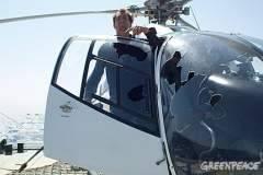 Helicóptero de Greenpeace con desperfectos