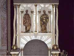 trono con cuernos de narval