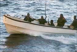 Lancha con piratas somalies