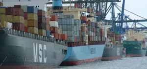 barcos de carga portacontenedores