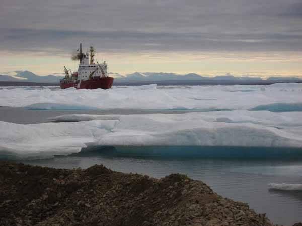 deshielo del ártico, buque de investigación