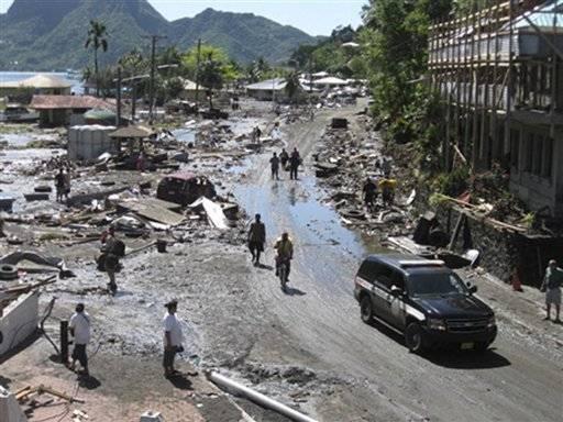 devastación por tsunami 2009 en Samoa