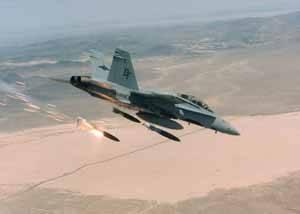 f-18, disparando misiles