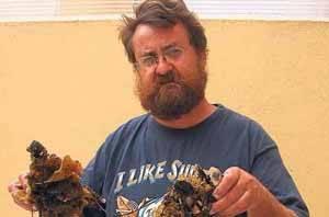 Juan Junoy y el gusano marino encontrado