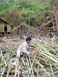 moken reconstruyen viviendas tras tsunami 2004