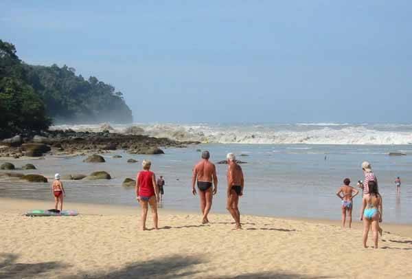 tsunami en una playa