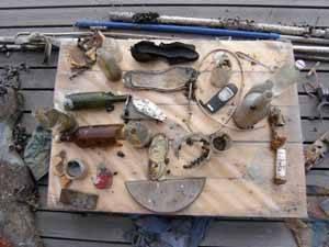 varios tipos de basura recogidos en el mar
