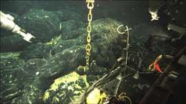hidrófono submarino en el volcán Axial