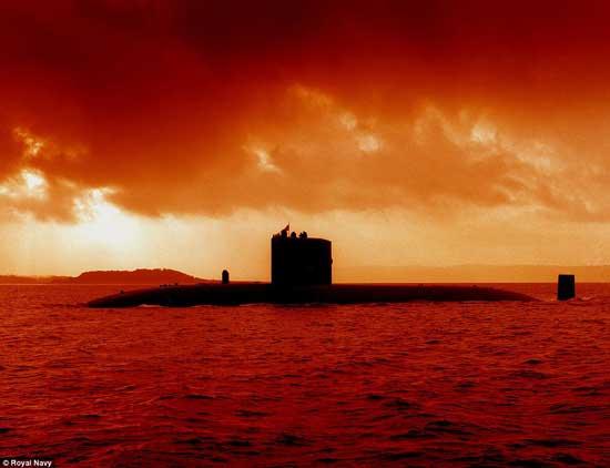 HSM Torbay de la Royal Navy