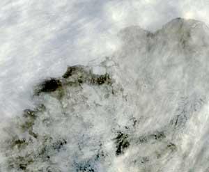plataforma de hielo Sulzberger el 13 de marzo, un claro en las nubes