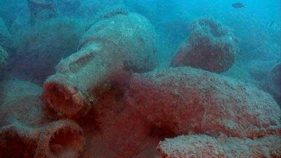 ánforas romanas de vino en un naufragio en Albania