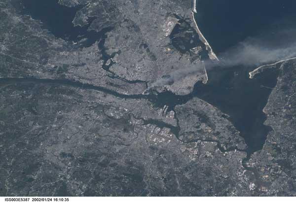 área metropolitana de New York desde el espacio el 11-09-2001