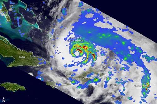 formación del ojo interior del huracán Irene