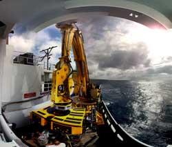 iinstrumentos en el barco oceanográfico Thomas G. Thompson