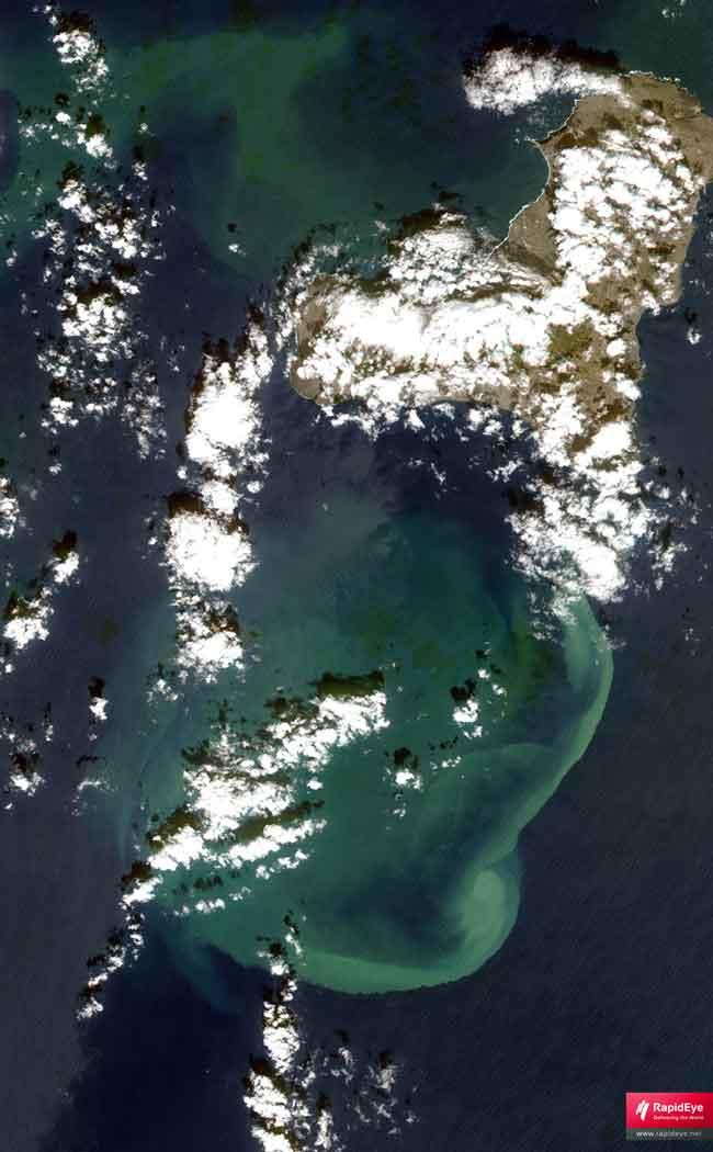 erupción en El Hierro desde el satélite RapidEye, 31-10-2011