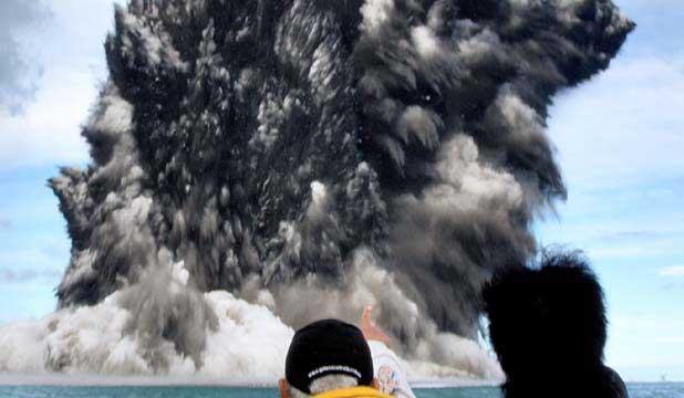 colas de gallo volcánicas erupción Tonga