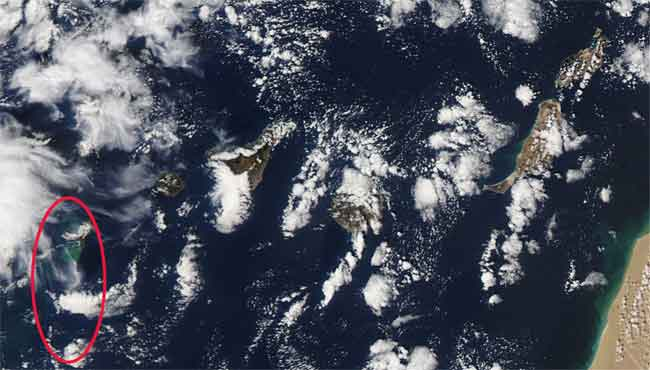 mancha de la erupción de El Hierro, satélite Aqua 06-11-2011