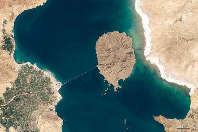 Lago Orumiyeh en 1998