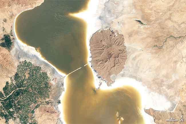 Lago Orumiyeh en 2011