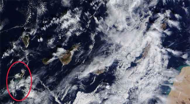 mancha de la erupción de El Hierro, satélite Terra 08-11-2011