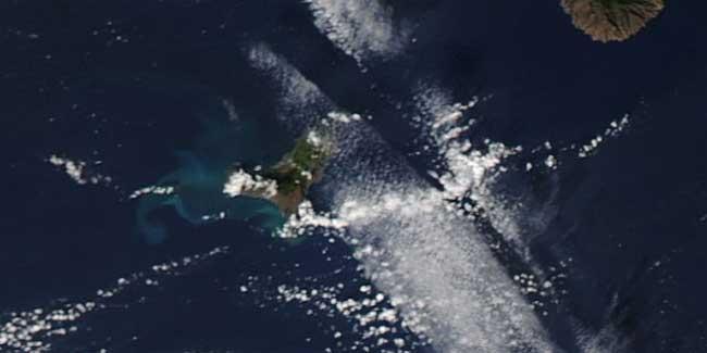 erupción El Hierro desde el espacio, Aqua 06-12-2011