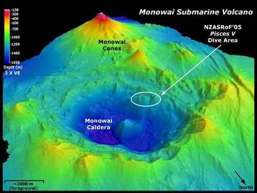 volcán submarino Monowai, batimetría