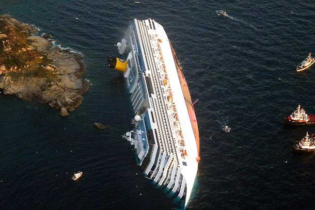 crucero Costa Concordia volcado