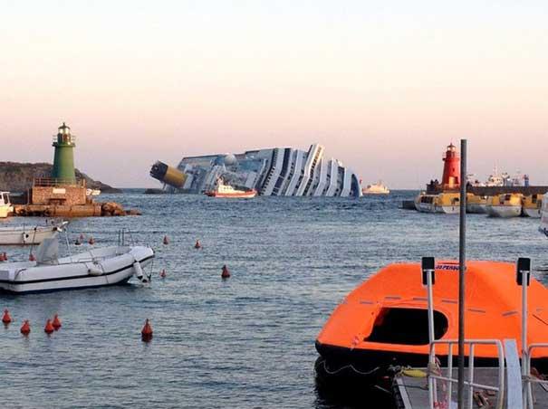 vuelca el crucero Costa Concordia