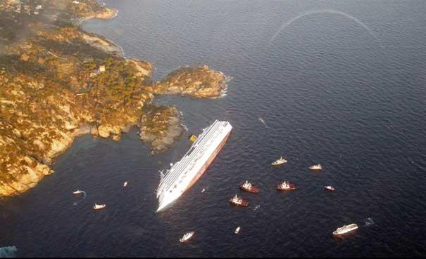 crucero Costa Cconcordia vuelca