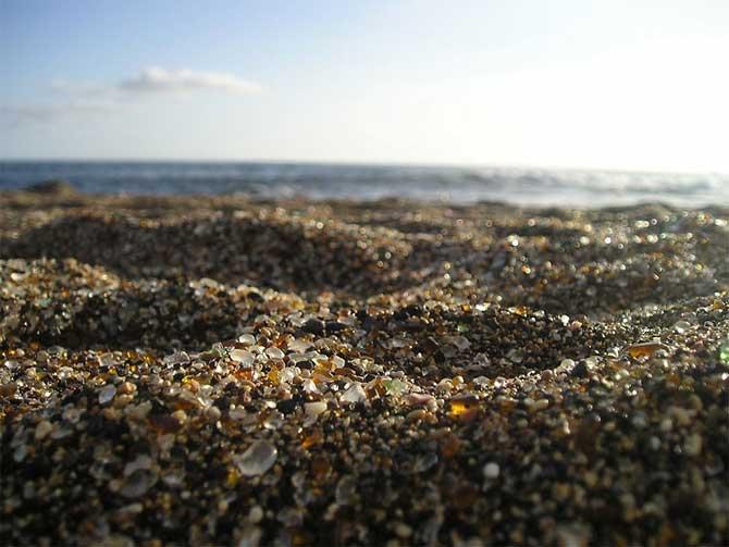 Playa de California, Glass Beach