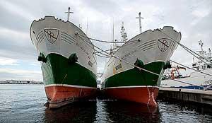 arrastreros españoles en puerto