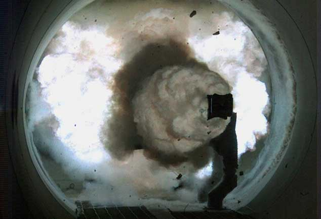 disparo proyectil desde un railgun