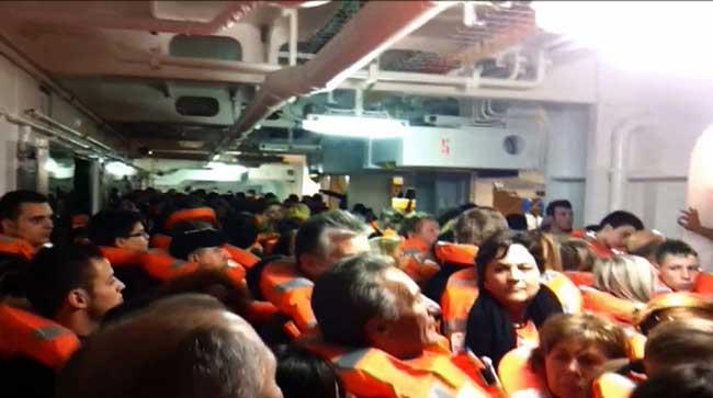 evacuación en el interior del Costa Concordia