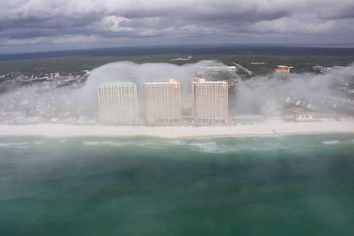 tsunami de nubes en la ciudad de Panamá, Florida