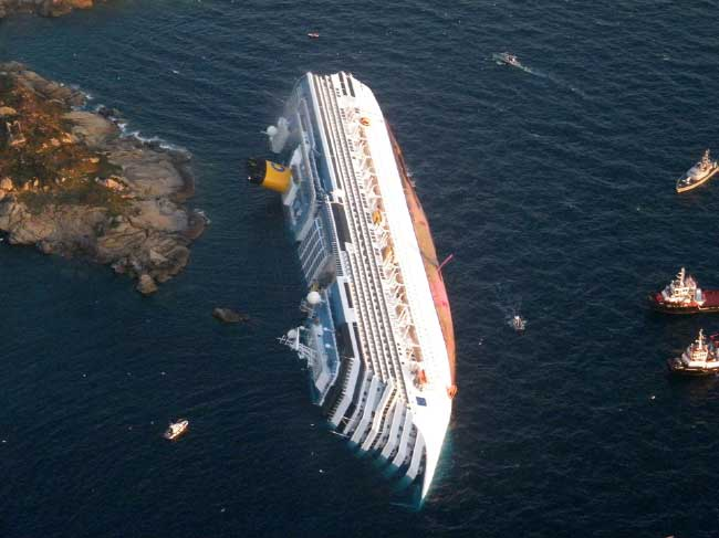 vista aérea de Crucero Costa Concordia