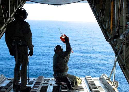 guadia costera EE.UU. dinamita barco fantasma japonés