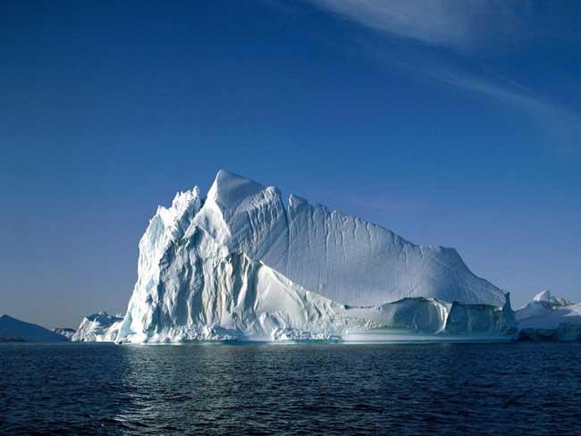 iceberg gigante en Groenlandia