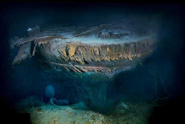 Popa del RMS Titanic sumergido