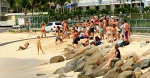 playa junto al Aeropuerto Princesa Juliana