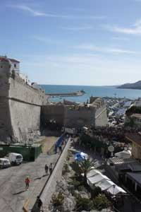 plaza de toros de Peñíscola entre las murallas