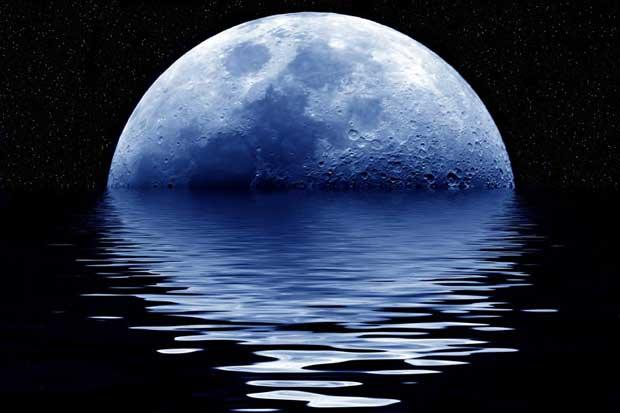 luna azul,  repesentación artística