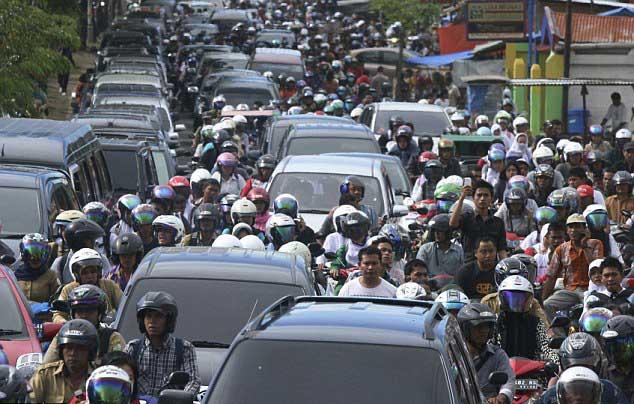 la población huye en Aceh