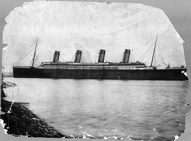 foto antigua del Titanic en Southampton 10-04-1912