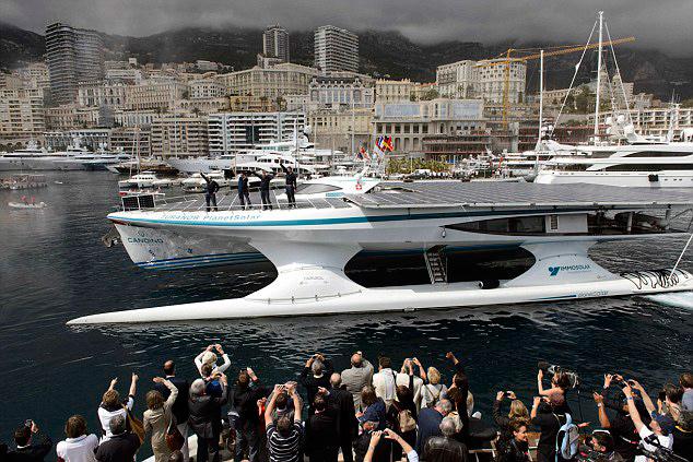 Turanor Planetsolar completa vuelta al mundo en Mónaco
