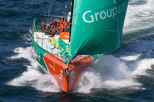 Grupama, campeón Volvo Ocean Race 2012 en carrera